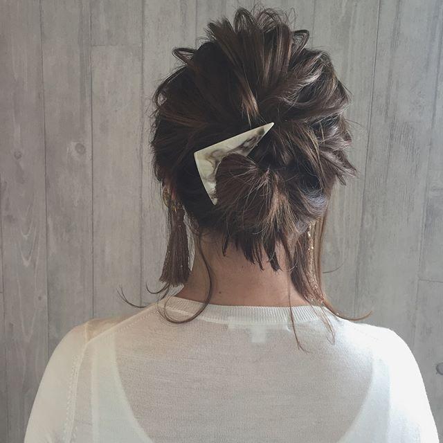 浴衣に似合うミディアムの簡単な髪型《お団子》3