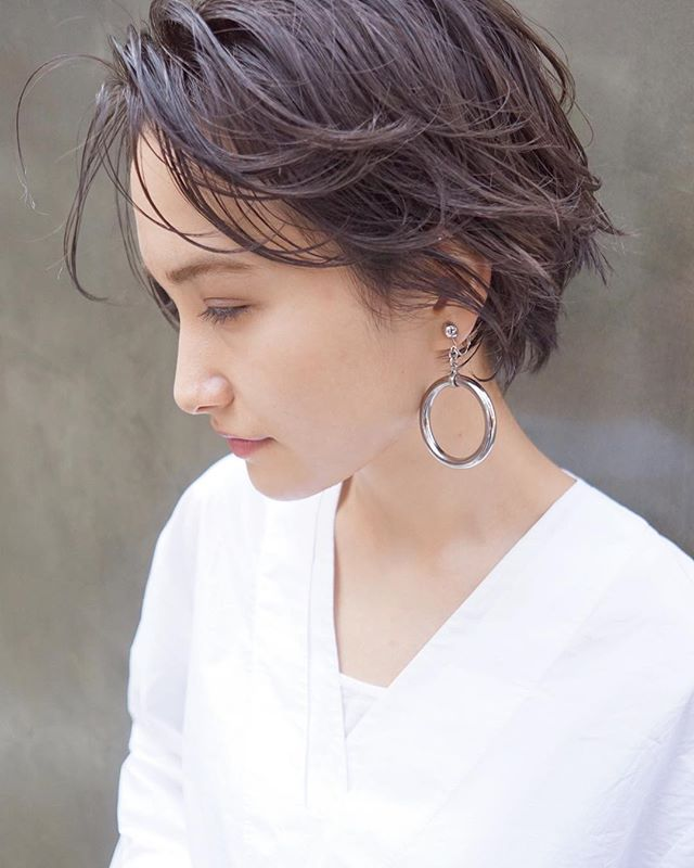上品で華やかな印象を作るショートの髪型