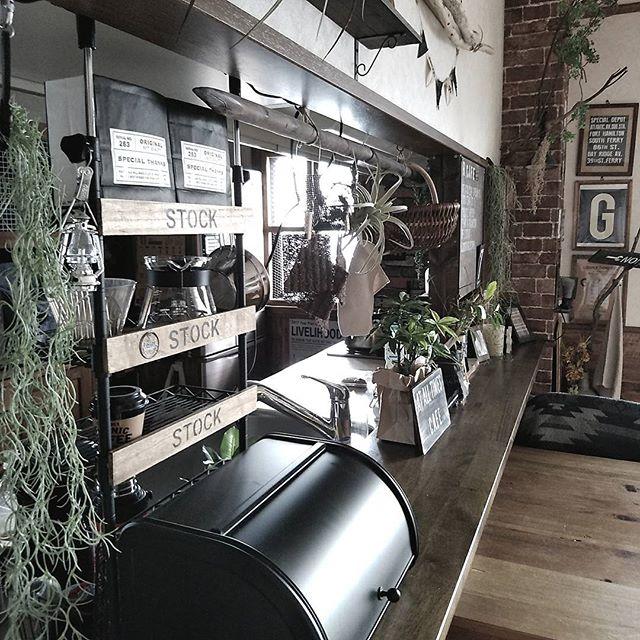 キッチンカウンター上の収納11
