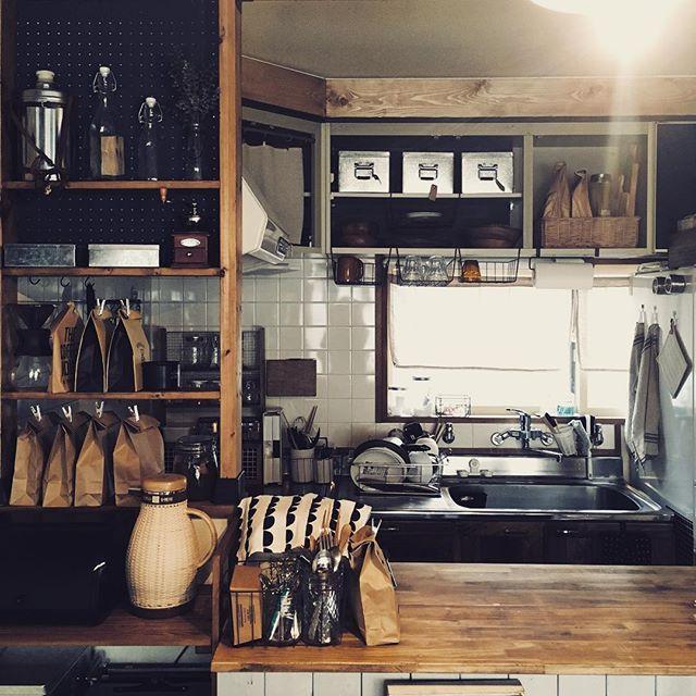 キッチンカウンター上の収納10