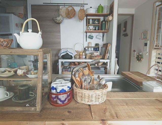 キッチンカウンター上の収納