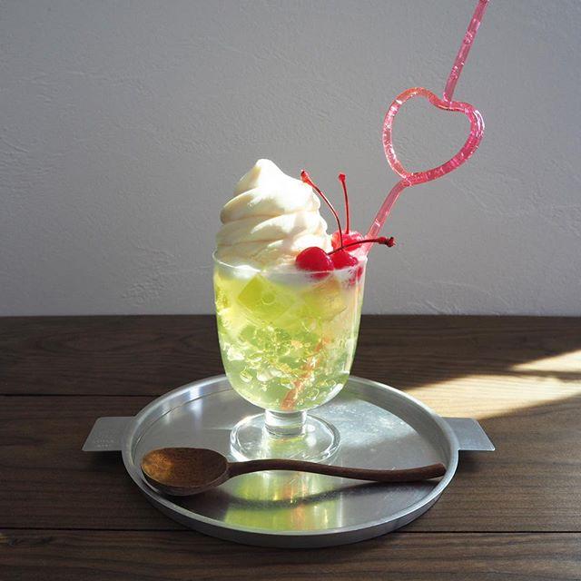 人気レシピ!青りんごのゼリーとソフトクリーム