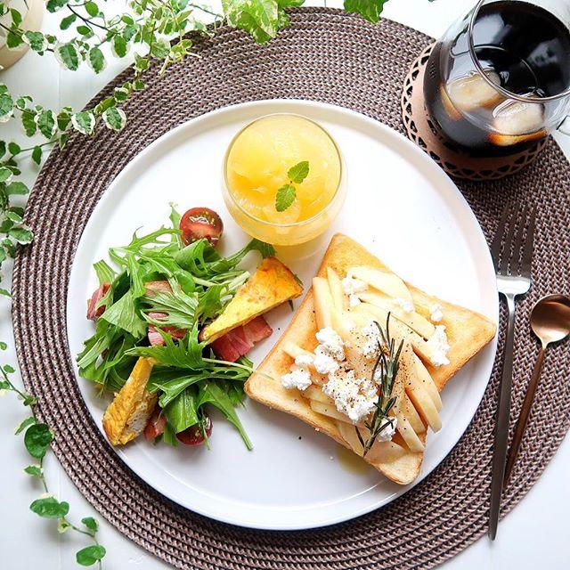 食パンを大量消費できる!桃とカッテージチーズ