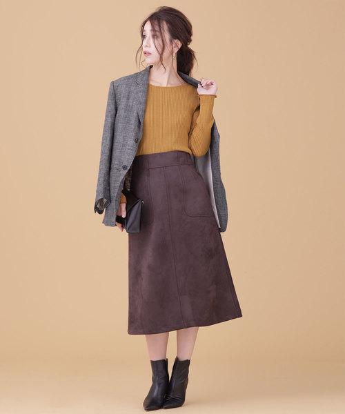 テーラードジャケット×スエードスカート