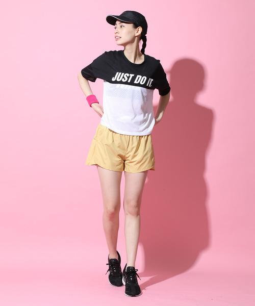 切り替えデザインTシャツ×ショートパンツ