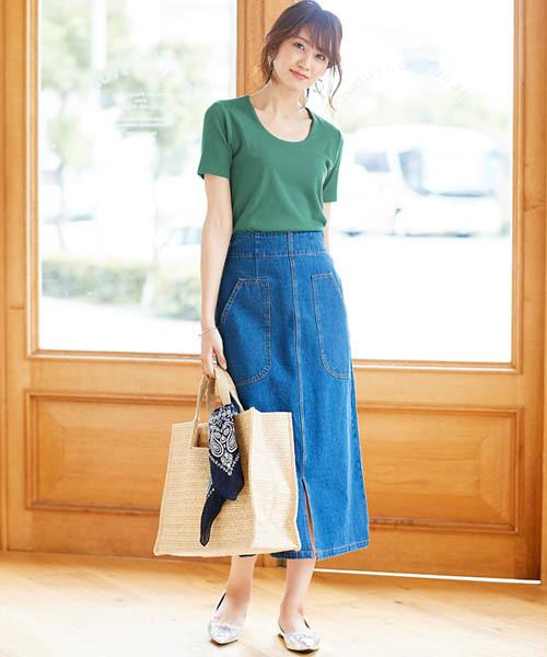 テレコリブカットソー×スカートの服装
