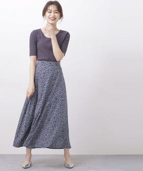 グレーニット×ブルーグレーレオパードスカート