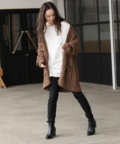 冬はシンプルなレディースファッションを