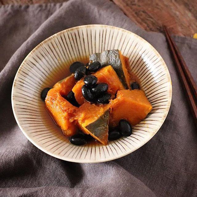 ほんのり甘い♪黒豆入りかぼちゃ煮