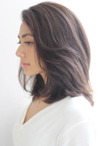 40代に似合うミディアムの髪型10