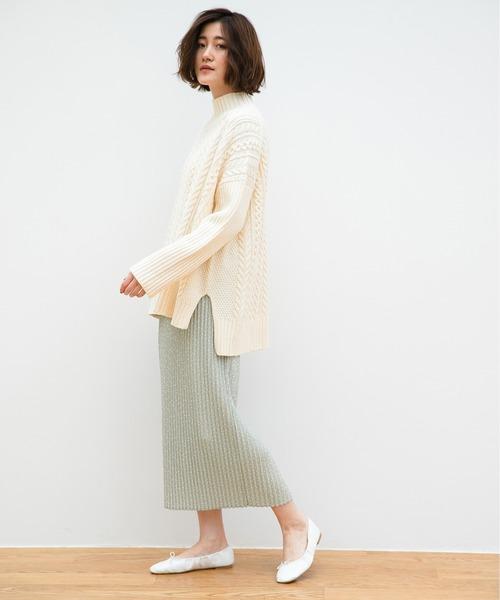 ハイネックケーブルニット×緑リブスカート