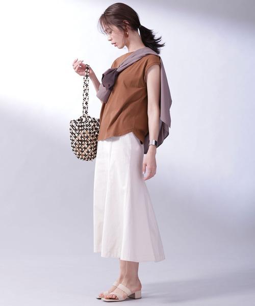 フレンチスリーブT×スカートの服装