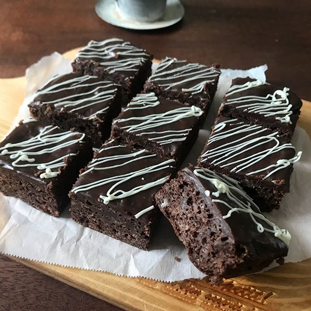 ピクニックのデザート!生チョコケーキキューブ