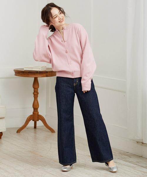 ピンクで春を意識したレディースファッション