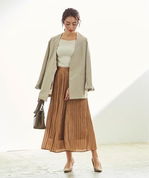 リネンライクジャケット×ブラウンスカート