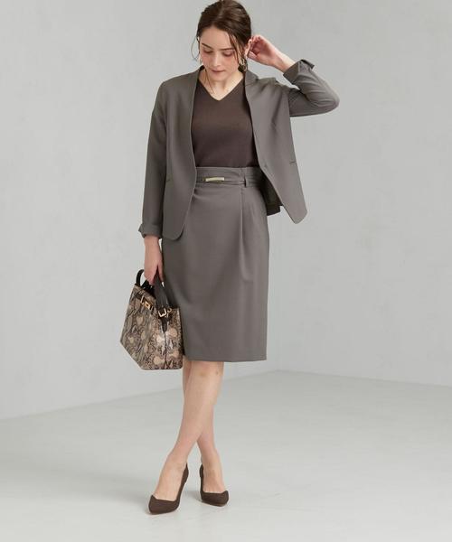 ノーカラージャケット×タイトスカート