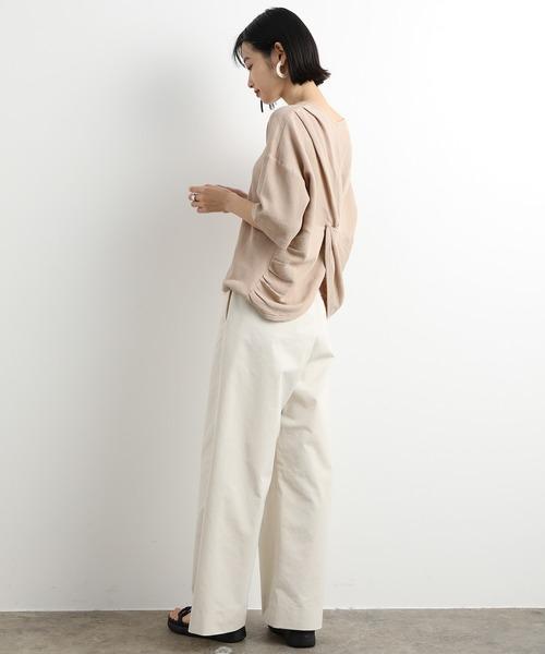 後ろ姿の可愛い9月の東京の服装