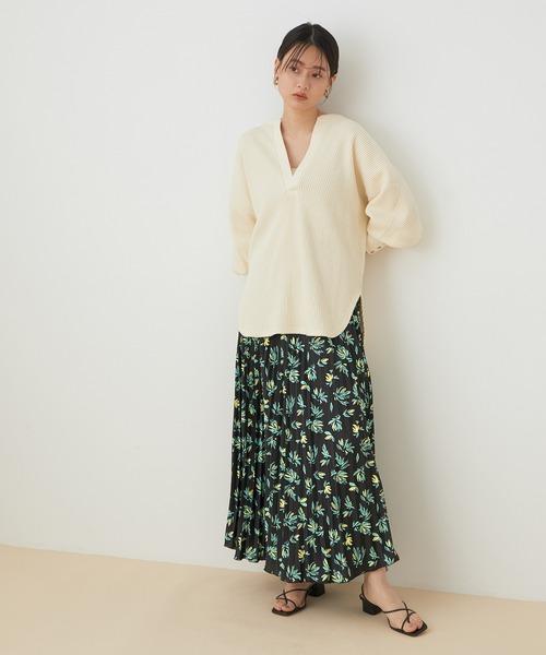 シアーブラウス×マキシ丈スカート
