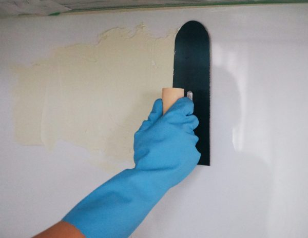 4 接着剤を塗る