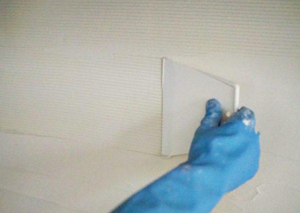 4 接着剤を塗るw