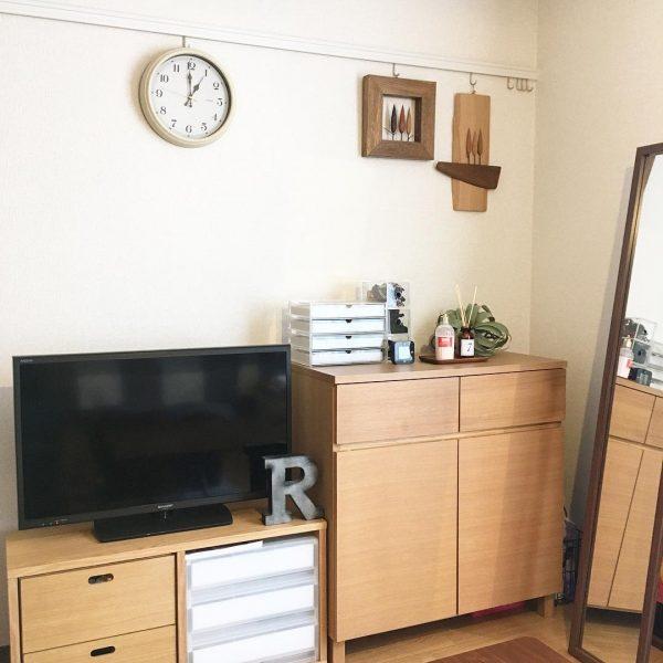 お部屋には自然素材の家具をレイアウト