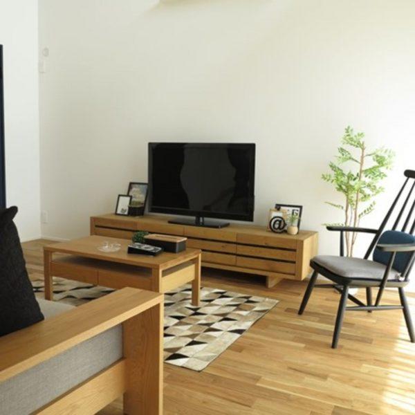 テレビはお部屋の東の方角に模様替え