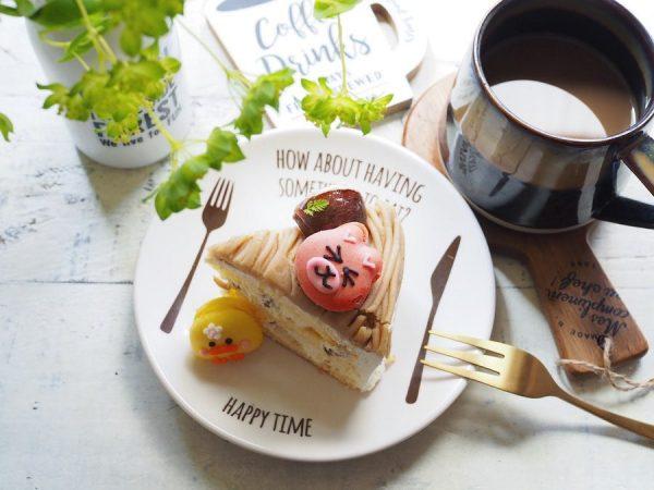 ユニークなロゴのキャンドゥプレート&ケーキ