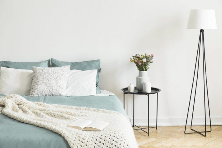 一人暮らし ベッド 配置