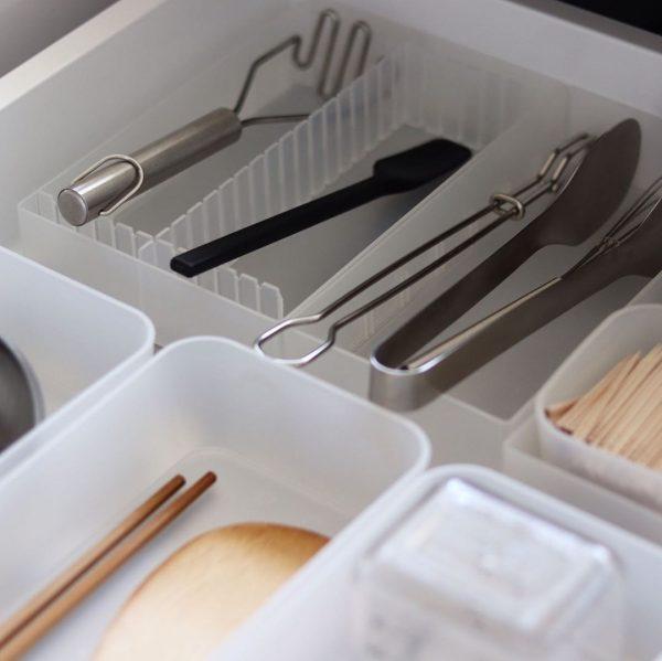 キッチンツールよりも小さいケースを使って収納