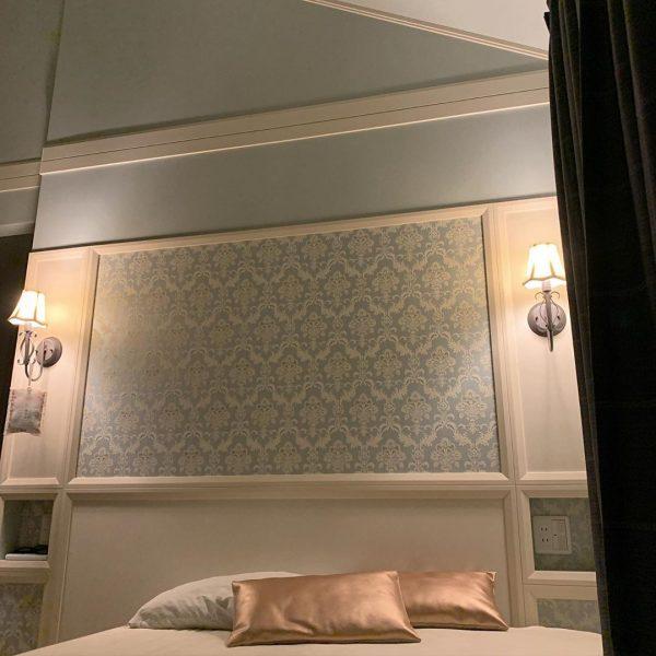 ベッドルームのアクセントクロス実例c
