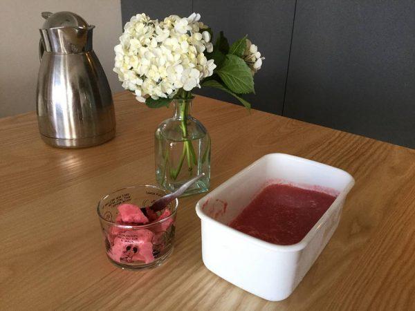 フレッシュな苺で作る自家製シャーベット
