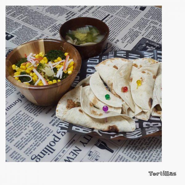 チンゲン菜わかめ白菜しめじのコンソメスープ
