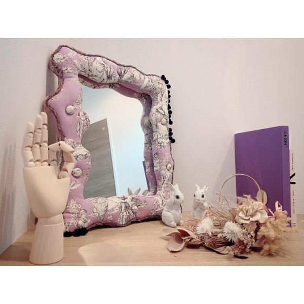 美しい鏡を飾ったコーナー