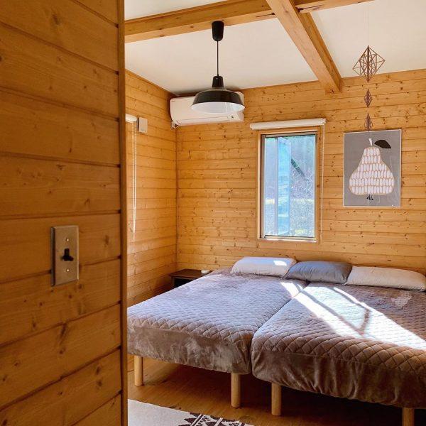 コテージのような寝室