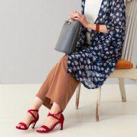 赤サンダルコーデ【2020最新】足元に差し色をプラスしてファッションを格上げ!