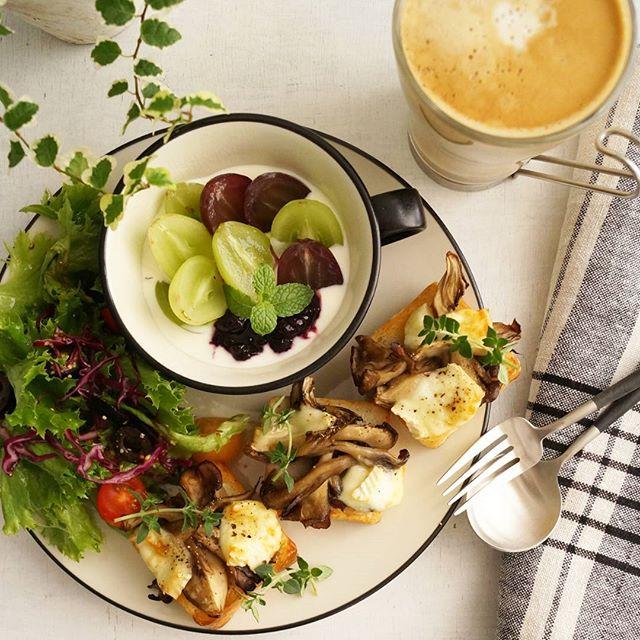 おしゃれで人気!舞茸のブリーチーズトースト