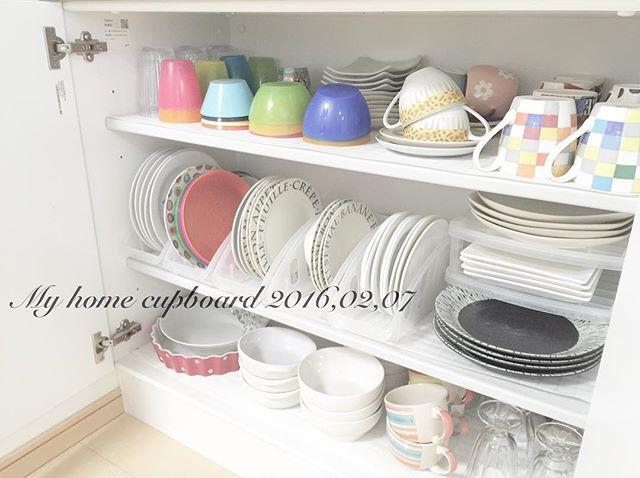 食器棚の収納アイデア4