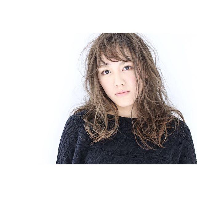 【2020秋最新】ロング×パーマの髪型2