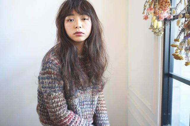 【2020秋最新】ロング×前髪ありの髪型3
