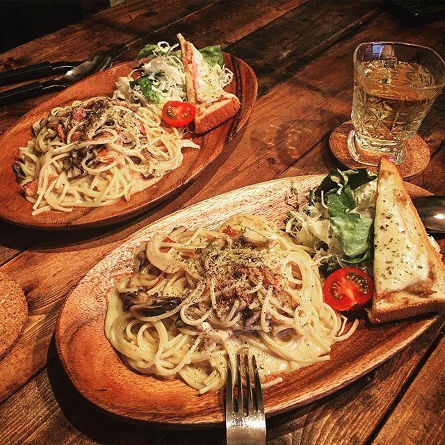 人気の洋食に!舞茸とベーコンのカルボナーラ