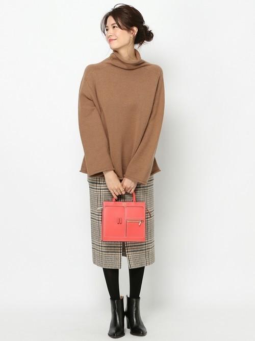 グレーグレンチェックタイトスカートの冬コーデ