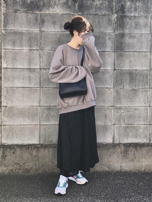 黒 レーススカート コーデ4