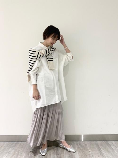 大人の秋のシャツ×ロングスカートコーデ3