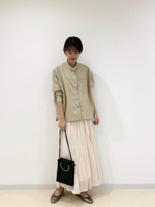 大人の秋のシャツ×ロングスカートコーデ2