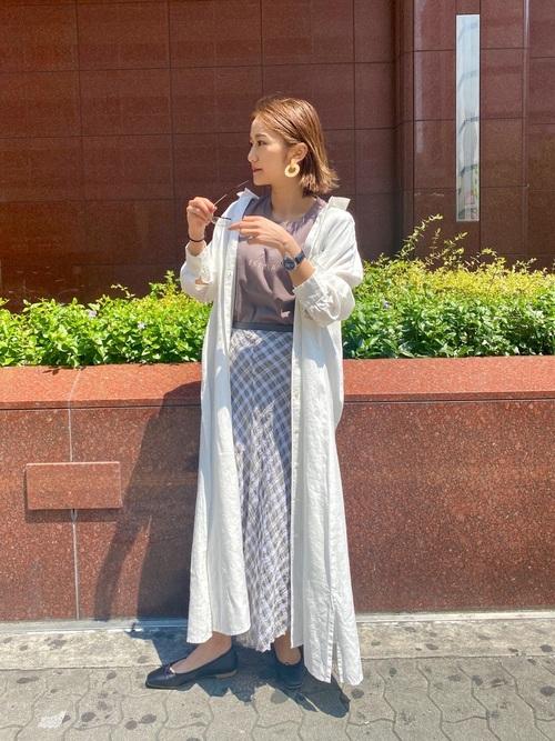 白シャツワンピ×スカートの秋デートコーデ