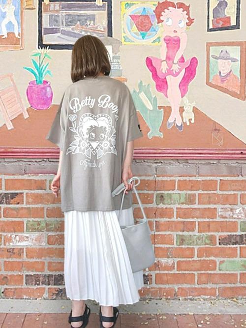 ユニクロのスカートで作るおしゃれな夏コーデ