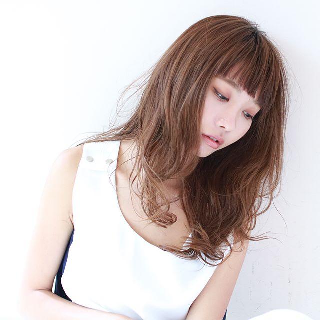 セミロングの髪型14