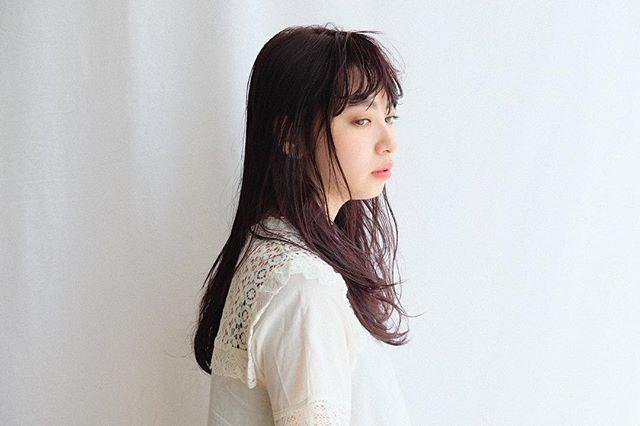 【2020秋最新】ロング×前髪ありの髪型5