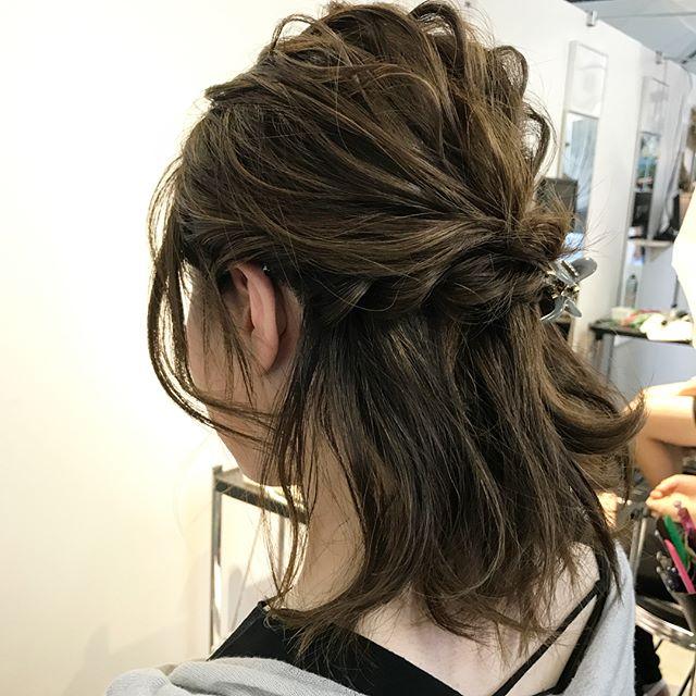 ミディアムの編み込みヘアアレンジ《ハーフアップ》5