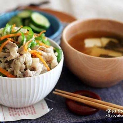 和食料理に!豚バラとピーマンの塩きんぴら丼